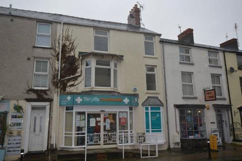 3 bedroom flat - High Street, Tywyn, High Street, Tywyn, LL36