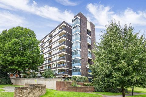 3 bedroom flat - John Ruskin Street Camberwell SE5