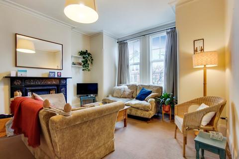 2 bedroom flat to rent - QUEENSTOWN ROAD, BATTERSEA, London, SW8