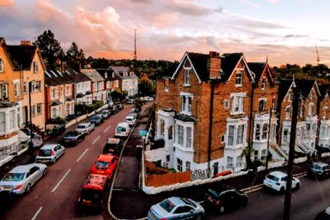 1 bedroom flat to rent - Rockmount Rd, Crystal Palace, London, SE19 3ST