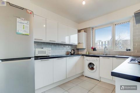 4 bedroom flat share to rent - Gernon Road, Mile End, London, E3