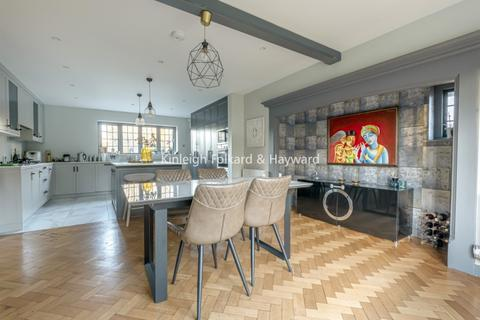 7 bedroom house to rent - North Park London SE9