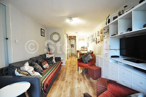 1 bedroom apartment - Lulot Gardens, London, N19