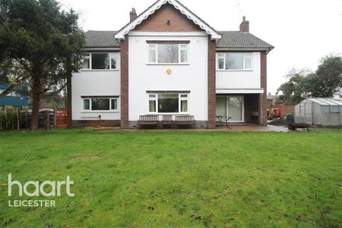 5 bedroom detached house to rent - Canal Street