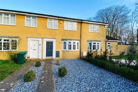 3 bedroom terraced house for sale - Hawksway, Staines upon Thames, Surrey, TW18