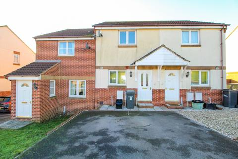 2 bedroom terraced house - Skye Close, Torquay