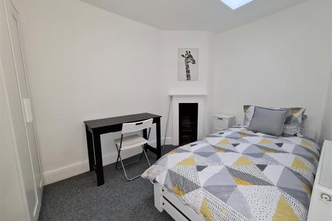 1 bedroom house share to rent - High Street, Cheltenham, GL50 - SINGLE ROOM