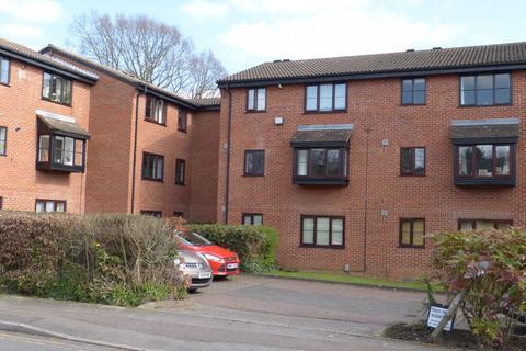 2 bedroom flat to rent - Gladbeck Way, Enfield