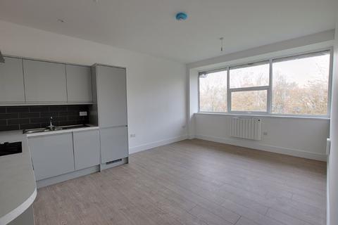 2 bedroom apartment to rent - Pavilions Court, Trowbridge