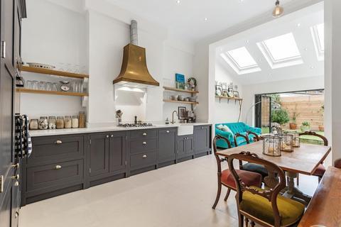 2 bedroom flat for sale - Bonham Road, SW2