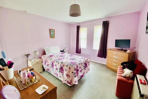 2 bedroom semi-detached bungalow for sale - Meridian Court, Ashford