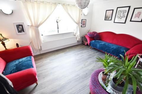 1 bedroom bungalow for sale - Station Road, Canvey Island