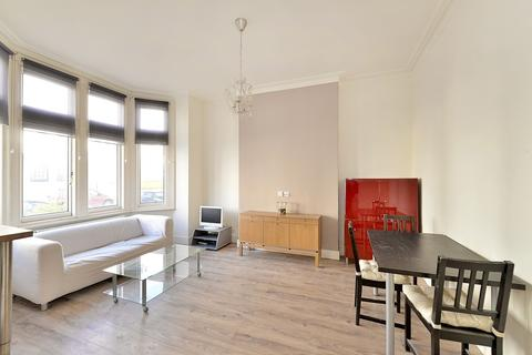 1 bedroom flat to rent - Whittingstall Road, Fulham, SW6