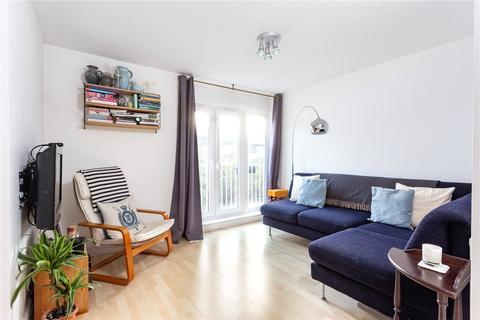 2 bedroom flat for sale - Princelet Street, London, E1