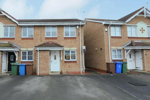 2 bedroom end of terrace house - Dann Court, Hedon, Hull