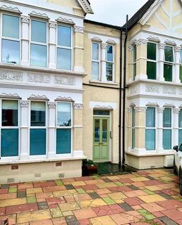 1 bedroom ground floor flat to rent - Palmerston Crescent, London, N13 4UE