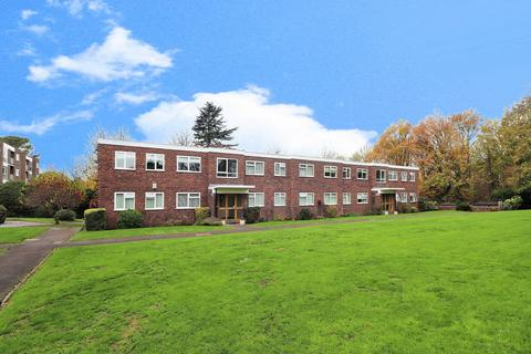 3 bedroom flat - Orchard Road, Bromley