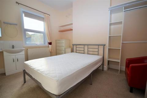 1 bedroom in a house share to rent - St. Georges Place, Cheltenham