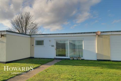 2 bedroom chalet for sale - Seaview Estate, Green Lane, Kessingland