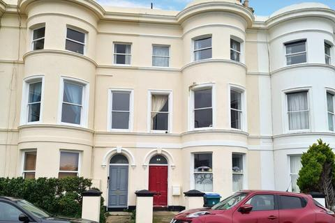 2 bedroom flat to rent - South Terrace, BN17