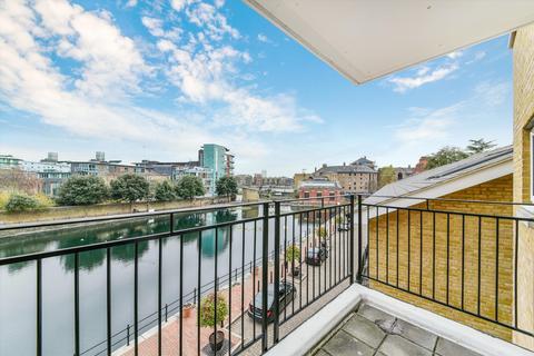 2 bedroom flat for sale - Hermitage Waterside, Thomas Moore Street, London, E1W