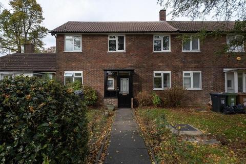 3 bedroom terraced house to rent - Lawrie Park Avenue Gable Court SE26
