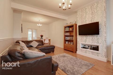 3 bedroom terraced house for sale - Junction Road, Gillingham