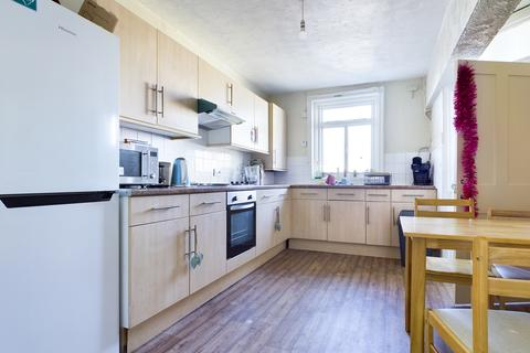 4 bedroom flat to rent - Brunswick Place, Hove BN3