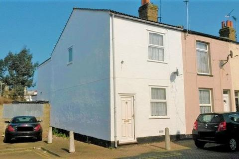 3 bedroom terraced house to rent - James Street, Sheerness