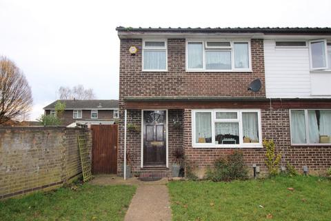 3 bedroom terraced house to rent - Narromine Drive, Reading