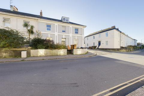 1 bedroom ground floor flat - North Road West, Plymouth