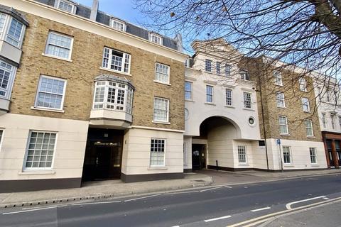 2 bedroom ground floor flat for sale - West Street, Gravesend, DA11