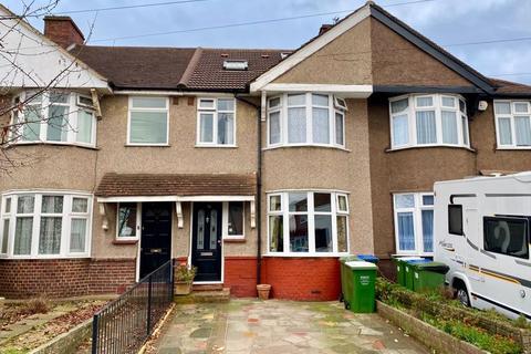 4 bedroom semi-detached house - Hurst Road, Bexley