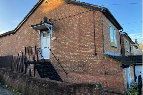 2 bedroom flat - St James Road, Sevenoaks, kent