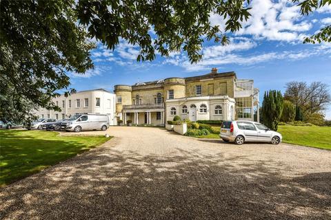 3 bedroom apartment to rent - Aldingbourne House, Aldingbourne Drive, Chichester, West Sussex, PO18