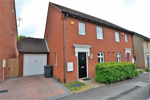 3 bedroom semi-detached house to rent - Stotfold, Hertfordshire