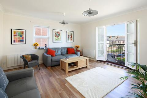 2 bedroom apartment for sale - West Parade, Hythe, CT21