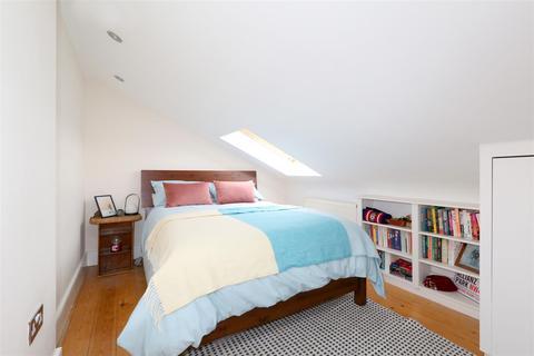 2 bedroom flat for sale - Evershot Road, Stroud Green, N4