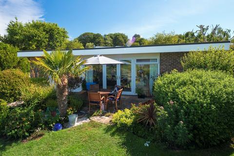 2 bedroom detached bungalow for sale - Sene Park, Hythe, CT21