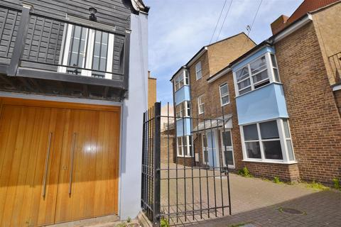 4 bedroom end of terrace house to rent - Middle Street, Brighton