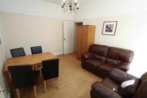 3 bedroom flat to rent - Tavistock Road, Jesmond, NE2