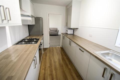 3 bedroom apartment to rent - Stratford Grove West, Sandyford , NE6