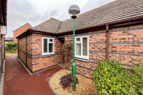 2 bedroom semi-detached bungalow - Badger Court, Loughborough, LE11