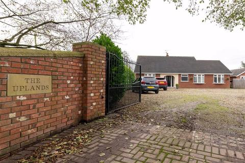 3 bedroom detached bungalow for sale - Pewit Lane, Nantwich, Cheshire