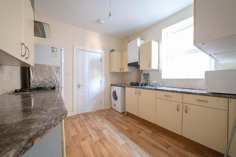 4 bedroom maisonette to rent - £69pppw - Heaton Road, Heaton, Newcastle Upon Tyne