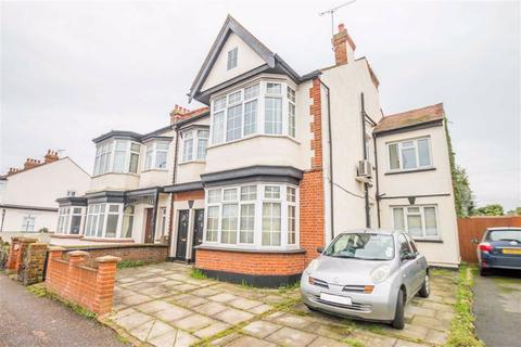 3 bedroom flat for sale - Westborough Road, Westcliff-on-sea, Essex
