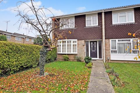3 bedroom end of terrace house for sale - Dorset Avenue, Great Baddow, Chelmsford, CM2