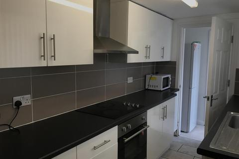 4 bedroom terraced house - Newland Street West, Lincoln