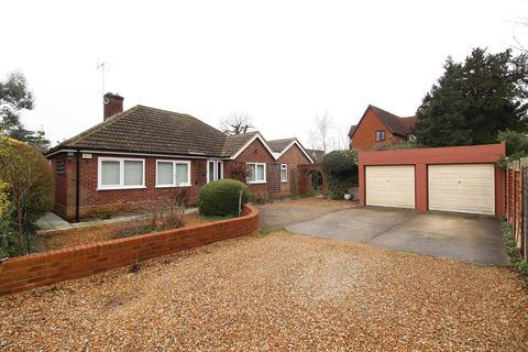 3 bedroom bungalow - Redlands Road, Reading, RG1 5HU