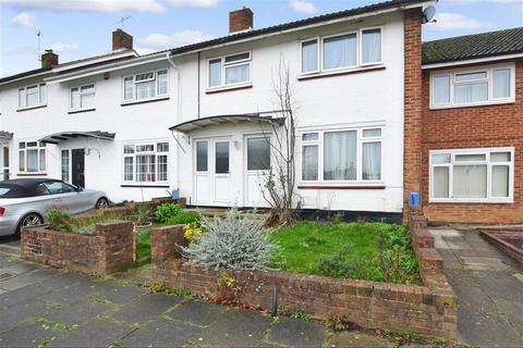 3 bedroom terraced house for sale - Windrush Close, Gossops Green, Crawley, West Sussex
